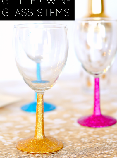 How To Glitter Wine Glasses: Want to know how to glitter your own wine glass stems? Check out this tutorial from PHPT Contributor Kendra of Simply {Darr}ling.