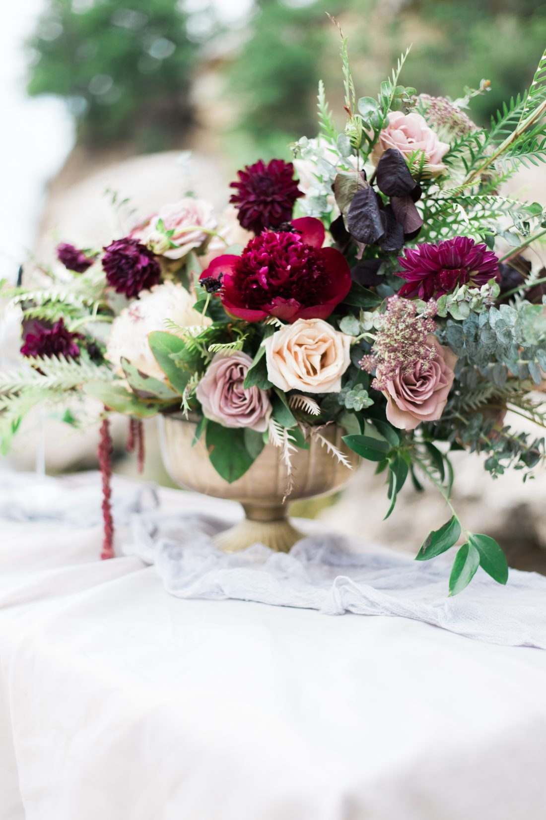 Take a look at what's trending this fall season with the fall wedding florals!
